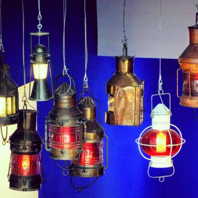 We like the warm glow of these lanterns hanging inhellip