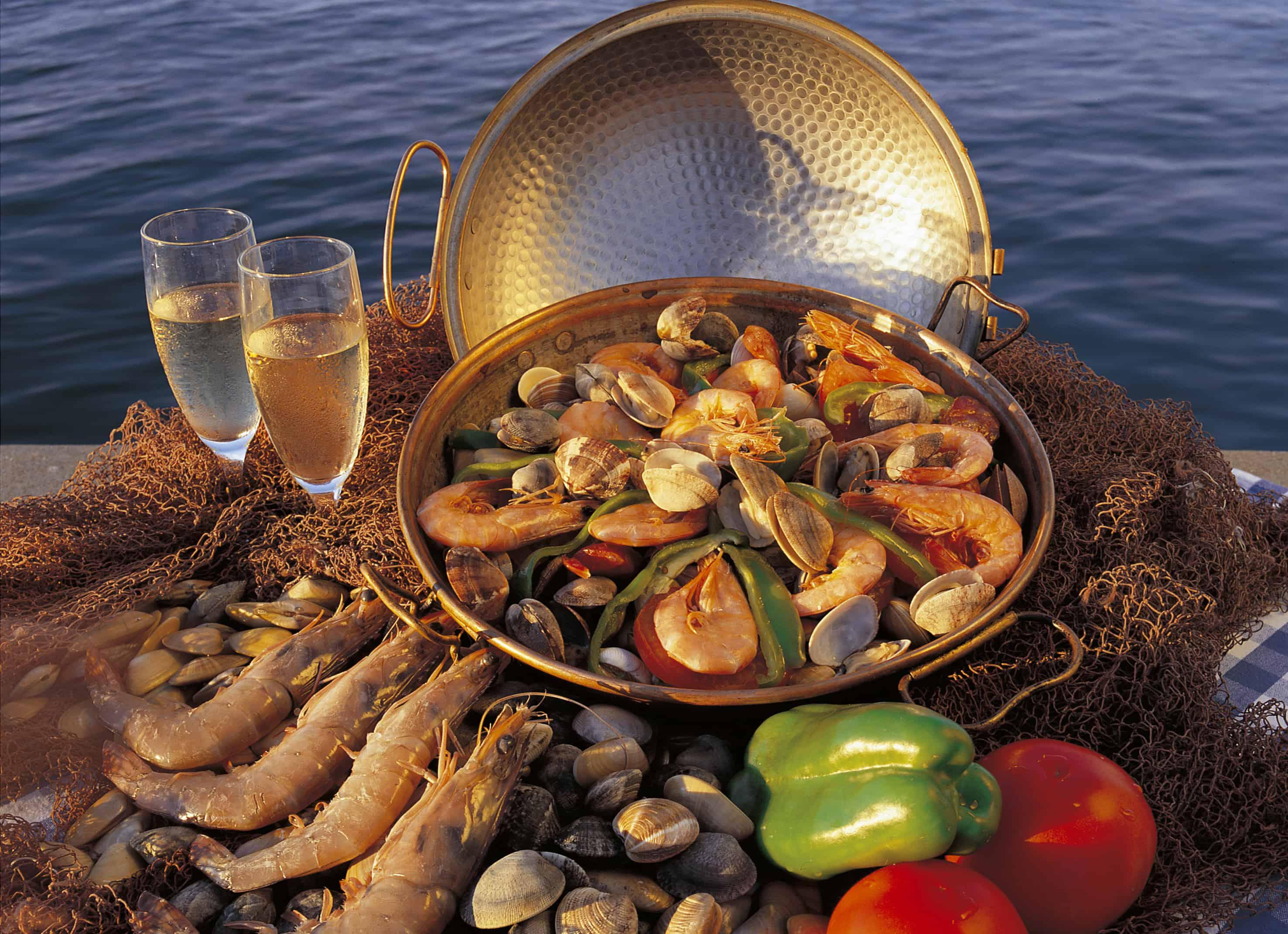 The Portuguese do fabulous seafood dishes. © Regiao de Turismo do Algarve
