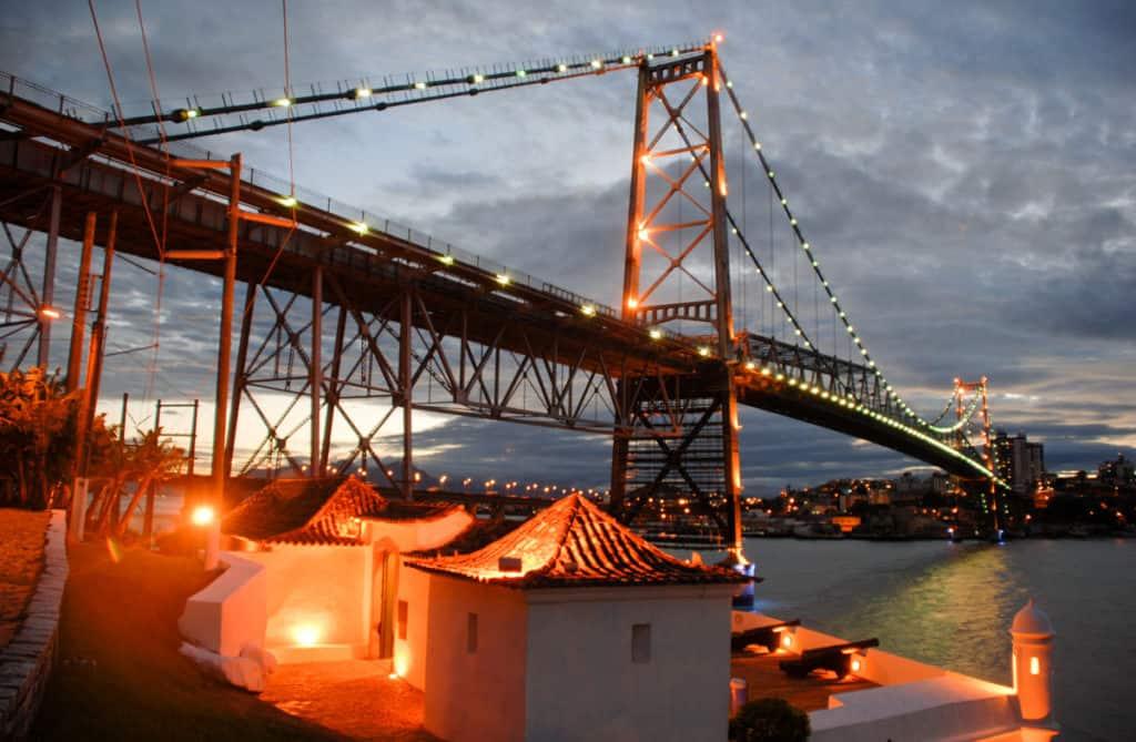 The Hercilio Luz bridge. © Norberto Cidade/Santur.