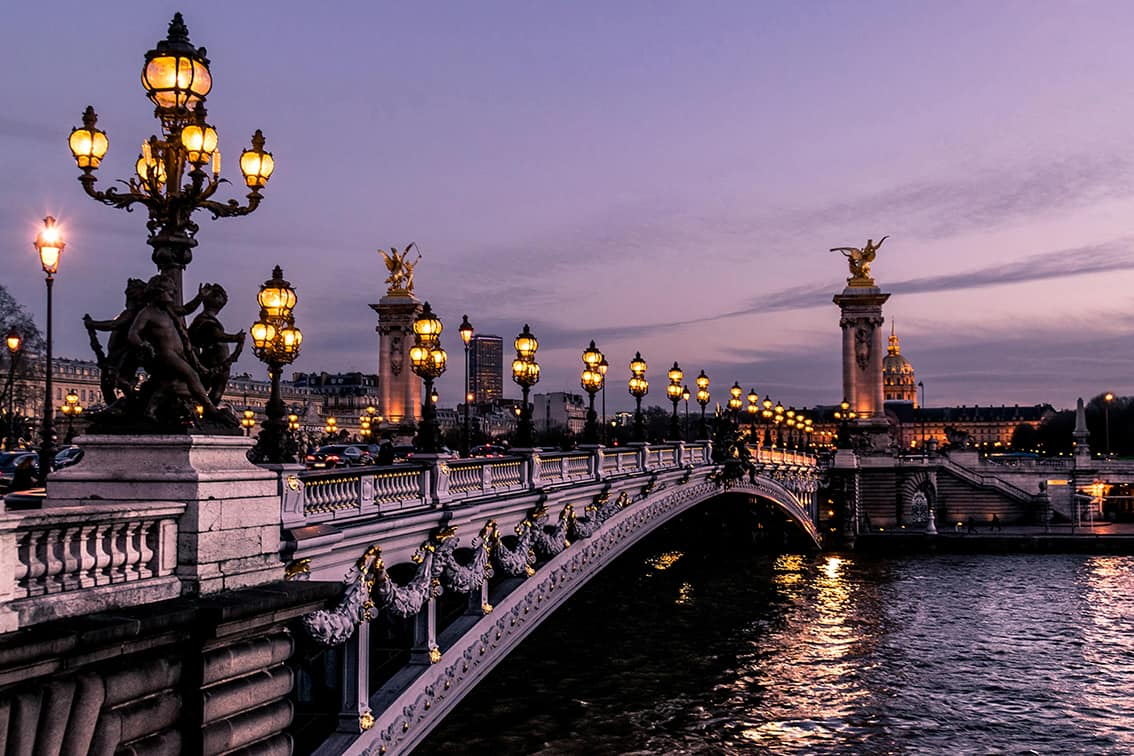 The romance of a stroll along the Seine.